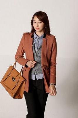 Chọn túi xách công sở hợp thời trang trong mùa đông